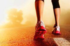 Se você não gosta de acelerar ou ainda não está preparado para correr e prefere caminhar, saiba como experimentar os vários benefícios da caminhada!