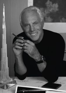 Italian fashion designer Giorgio Armani has been ruling fashion world with graceful outfits, elegant cosmetics, perfumes and spectacular eye wears. Particular for his menswear he established Armani fashion haute couture in Armani Hotel, Armani Prive, 50 Fashion, Fashion History, Mens Fashion, Fashion Trends, Unique Fashion, Fashion 2018, Daily Fashion