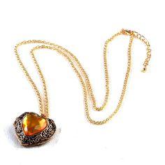 Heart locket necklace. £12.00