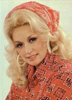 Love Dolly Parton as a singer and a Leading lady. Country Music Stars, Country Music Singers, Dolly Parton Young, Jules Supervielle, Divas, Dolly Parton Pictures, Music Week, Star Wars, Hello Dolly