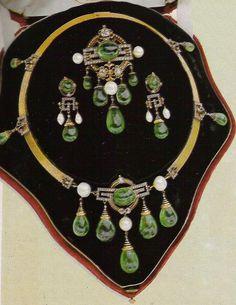 Mellerio dits Meller, circa 1860, Very fine Second Empire parure, gold, emeralds, diamonds, pearls, and enamel. http://diamondsandrhubarb.blogspot.jp/2011/12/french-jewelry-today-part-2-mellerio.html