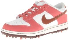 These comfortable and stylish looking womens Dunk NG golf shoes by Nike are made from leather with a rubber sole Nike Womens Golf, Womens Golf Shoes, Nike Golf, Ladies Golf, Nike Dunks, Sneakers Nike, Stylish, Leather, Nike Tennis