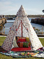 Oh. My. Goodness. I want this. No more bed, I just want to set this up and have a camp out in my room every night.