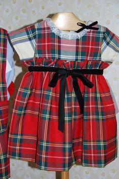 Precioso vestido combinando dos tejidos escoceses