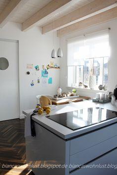 """Spieglein, Spieglein an der Wand, wer hat die schönste Küche im ganzen Land?!""""   """"Also Bianca, deine Küche ist ja zugegeben nich..."""