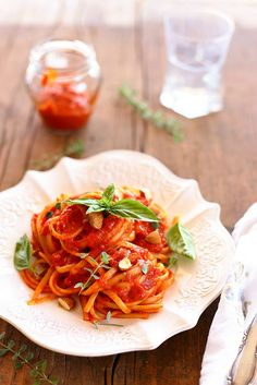 Un dejeuner de soleil: Linguine à la sauce de poivrons