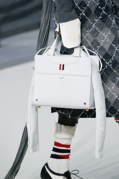 Thom Browne Fall 2017 Ready-to-Wear Accessories Photos - Vogue