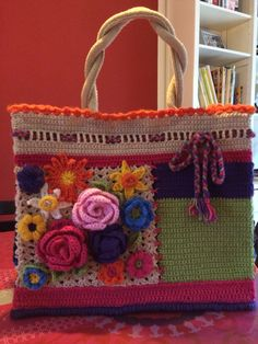 Free Crochet Bag Patterns Part 11 - Beautiful Crochet Patterns and Knitting Patterns Free Crochet Bag, Crochet Tote, Crochet Handbags, Crochet Purses, Knit Crochet, Knitting Patterns, Crochet Patterns, Bag Patterns, Knitted Bags