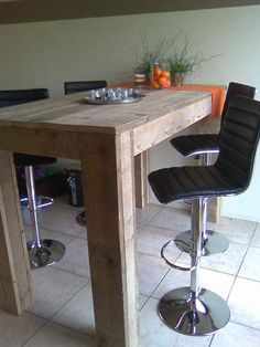 Bar tafel van steigerhout type Florida, Bar tafel: L180 / B97 / H110 De bartafel zoals afgebeeld komt op € 364.50 Incl BTW.