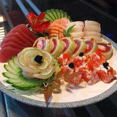 Masterpiece #JapaneseFood Japanese Food Sushi, Japanese Dishes, Sushi Catering, Sushi Sauce, Sashimi Sushi, Sushi Platter, Sushi Recipes, Asian Recipes, Taiwanese Cuisine