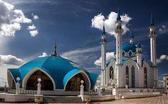 tataristan'ın kazan şehrinde mavi kubbeli kul şerif cami.