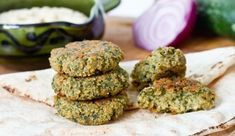 Watch the video for this recipe: If you haven't tried falafel by now you should definitely try this healthy recipe. Falafel is that kind of comforting. Broccoli Patties, Tuna Patties, Baked Falafel, Falafel Recipe, Mashed Potato Pancakes, Vegetarian Recipes, Healthy Recipes, Great Appetizers, Middle Eastern Recipes