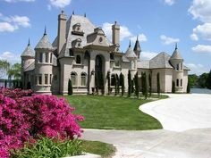 Luxury Real Estate & Mansions For Sale Luxury Homes Dream Houses, Luxury Life, Luxury Real Estate, Dream Homes, Mega Mansions, Mansions For Sale, Luxury Mansions, Palaces, Future House