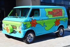 1972 Z Movie Car Scooby Doo Mystery Machine Ford Classic Cars, Best Classic Cars, Custom Paint Jobs, Custom Vans, Cool Car Paint Jobs, Z Movie, Movie Cars, Movie Props, Combi Vw T2