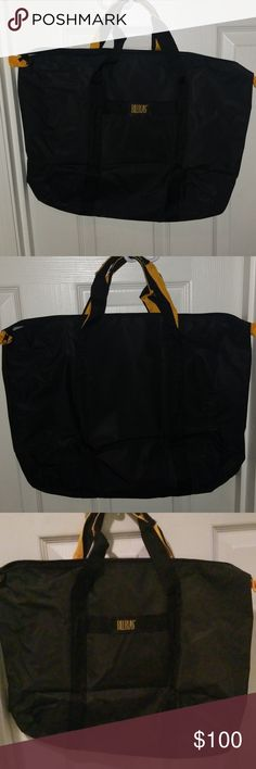 68bd1c50ef0 Bill blass canvas bag Nice big canvas bag, Great for the Beach or an  overnight trip Bill Blass Bags Travel Bags