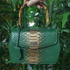 Moda Maroon Python wzór skórzana torebka tłoczona skóra wężowa projektant torebki damskie letnie torebki bambusowe torebki|Torebki na ramię| - AliExpress Leather Backpack, Backpacks, Bags, Fashion, Handbags, Moda, Dime Bags, Leather Backpacks, Women's Backpack