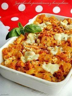 Zapiekanka pomidorowa z kurczakiem i fetą Salad Recipes, Snack Recipes, Healthy Recipes, Healthy Food, High Carb Diet, Mediterranean Diet Recipes, What To Cook, Diet And Nutrition, Macaroni And Cheese
