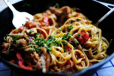 Cajun Chicken Pasta from The Pioneer Woman. One of the best pasta dishes I've… Pasta Recipes, Chicken Recipes, Dinner Recipes, Cooking Recipes, Skillet Recipes, Cajun Recipes, Cajun Food, Chicken Ideas, Freezer Cooking
