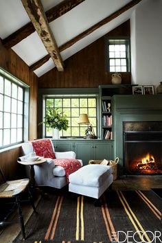 The family room in the Georgian country home that interior designer Ariel Ashe renovated with her sister, Alexi Ashe Meyers, and… Skyline R34, Modern Farmhouse, Modern Country, Casas Country, Living Room Designs, Living Spaces, Living Rooms, Seth Meyers, Family Room Design