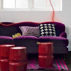 Living room decor purple sofa 30 ideas for 2019 Living Room Decor Purple, Purple Rooms, Red Bedroom Design, Bedroom Red, Interior Design, Interior Ideas, Interior Inspiration, Red Color Schemes, Bedroom Color Schemes