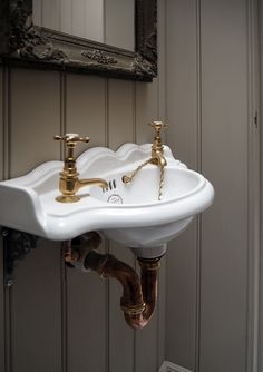 A classic Thomas Crapper sink and brass taps in our new St. John's Square bathroom!