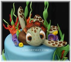 Sea Turtle - Squirt Hand sculpted Squirt's head from a ball of fondant. Also hand sculpted baby holding. Beautiful Cakes, Amazing Cakes, Cake Pops, Nemo Cake, Biscuit, Sea Cakes, Character Cakes, Disney Cakes, Just Cakes