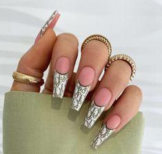 Dior Nails, Chanel Nails, Aycrlic Nails, Swag Nails, Nail Design Stiletto, Nail Design Glitter, Nails Design, Coffin Shape Nails, Luxury Nails