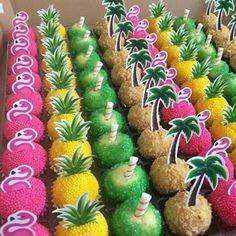 Inspirations Flamingo Party Hello my dears. Are you OK womens-fashion Aloha Party, Luau Theme Party, Hawaiian Party Decorations, Moana Birthday Party, Hawaiian Birthday, Luau Birthday, Rio Birthday Parties, Flamingo Party, Flamingo Birthday