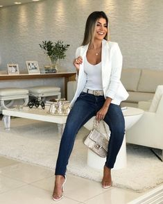 White blazer is extremely elegant and ideal to wear at work, or for a . - Outfits for Work - White blazer is extremely elegant and ideal to wear at work, or for a . Summer Work Outfits, Casual Work Outfits, Business Casual Outfits, Mode Outfits, Business Attire, Work Attire, Classy Outfits, Stylish Outfits, Fall Outfits