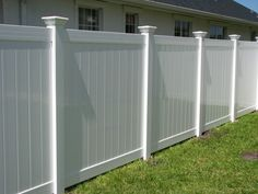8 Delightful ideas: Backyard Fence Up Privacy Fence Garden Fence Panels Front Yard Fence Alternatives. Vinyl Privacy Fence, Privacy Fence Designs, Privacy Fences, Diy Fence, Fence Landscaping, Fence Panels, Vinyl Fencing, Pallet Fence, Privacy Trees