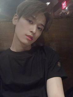 the boyz juyeon Hot Pockets, Best Boyfriend, Shall We Dance, New Artists, Kpop Boy, Kpop Groups, Handsome Boys, Boyfriend Material, K Idols