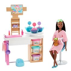 Practice self-care as they help Barbie doll recharge with this Face Mask Spa Day Playset Explore more wellness dolls at our Barbie shop today! Barbie Shop, Barbie Dolls, Barbie Stuff, Puppy Face, Pet Puppy, My Fair Lady, Barbie Shelly, Pop Up, Barbie Dream House