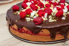 Čokoládový cheesecake s malinovým prekvapením Cheesecake, Pudding, Food, Cheesecakes, Custard Pudding, Essen, Puddings, Meals, Yemek