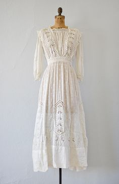 antique 1900s edwardian eyelet lace lawn dress [Rhythms of Grace Dress] - $126.00 : ADORED | VINTAGE, Vintage Clothing Online Store