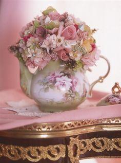 CUSTOM: Ophelia Teapot