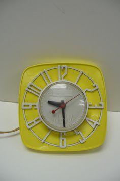Vintage Wall Clock MidCentury Mod Retro General by SalvageRelics, $38.95