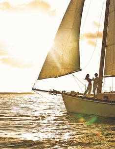 Key West Honeymoon spot USA - Sunset sailing | Key West, Florida : The Perfect Destination For A Weekend Getaway Honeymoon Spots, Romantic Honeymoon, Romantic Getaway, Romantic Travel, Key West Hotels, Key West Vacations, Dream Vacations, Romantic Destinations, Amazing Destinations