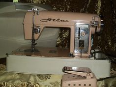 Vintage Pink Atlas Sewing Machine - I haven't seen this one before. Nice!!