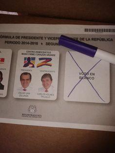 "Vía @JorgeEMoncadaA: Colombia País De ""Caudillantes"" Por Eso #VotoEnBlanco #NiSantosNiZuluaga"