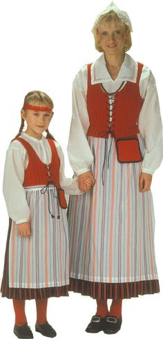 Kymenlaakson l. Anjalan naisen kansallispuku. Kuva © Helmi Vuorelma Oy Finland Traditional Fashion, Traditional Dresses, Folk Costume, Costumes, The Shining, Culture, Folklore, Outfits, Clothes