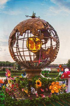 Tomorrowland (2013)