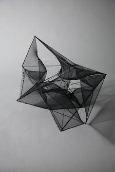 Strumpbyxa + Metallstänger. Tension Model - Thompson Burry