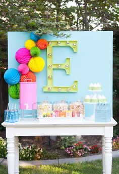 cute set up for a backyard movie night ... love the faux marquee letter