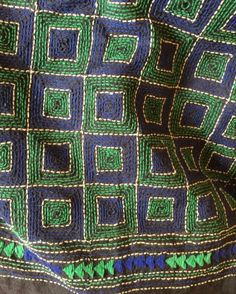 "Nakshi kantha: ""Bangladesh's iconic centuries-old 'double' running stitch (on layers of fabric) is quite different from the kantha embroidery of West Bengal. Sashiko Embroidery, Indian Embroidery, Japanese Embroidery, Embroidery Thread, Embroidery Supplies, Machine Embroidery, Hand Embroidery Videos, Embroidery Patterns Free, Hand Embroidery Designs"