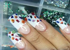 Uñas francesas diamantitos $300