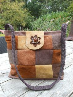 Grote echt leren tas. Gemaakt van diverse lapjes leer. JANET Handgemaakte tassen op FB.