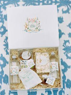 wedding guest gift box  http://itgirlweddings.com/charleston-rehearsal-dinner/