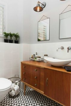 Browse bathroom ideas images to bathroom remodel, bathroom tile ideas, bathroom vanity, bathroom inspiration for your modern bathrooms ideas and bathroom design Read Vintage Bathroom Decor, Vintage Bathrooms, Bathroom Wall Decor, Bathroom Ideas, Modern Bathrooms, Luxury Bathrooms, Bathroom Curtains, Bathroom Vanity Designs, Best Bathroom Vanities