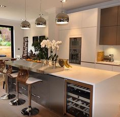 Modern and Contemporary Kitchen Cabinets Design Ideas 44 - Rockindeco Contemporary Kitchen Cabinets, Modern Kitchen Design, Interior Design Kitchen, Kitchen Cabinet Design, Kitchen Cabinetry, Deco Design, Küchen Design, Design Ideas, Luxury Kitchens