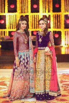 Are you a sister of the bride/groom? Looking for a lehenga to wear at the wedding? Then check out these 40 trending Groom sister outfits. Pakistani Mehndi Dress, Latest Pakistani Dresses, Pakistani Bridal Wear, Pakistani Wedding Dresses, Pakistani Outfits, Indian Dresses, Indian Outfits, Pakistani Couture, Indian Attire
